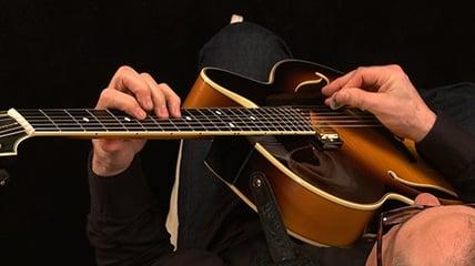Chuck Loeb teaching improvisation on the jazz guitar
