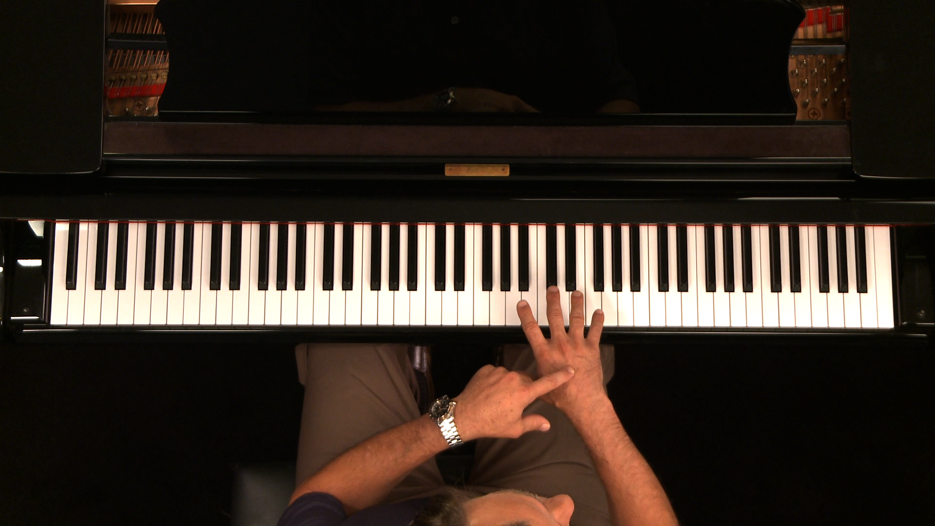 check out jazz piano lessons with George Whitty